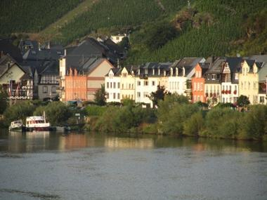 My Europe Base, Mosel River, Rheinland (our house is 2nd from the right) - My Europe Base, Zell, Mosel River, Rhineland - Zell (Mosel) - rentals