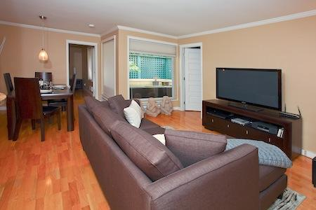 The bright and sunny unit features. - Downtown Vancouver 2 Bedroom Spectacular Well Appointed Executive Condo - Vancouver - rentals