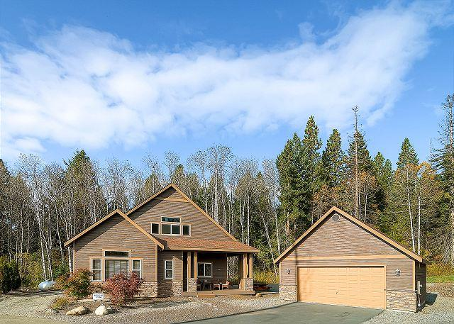 Highly Appointed Cabin Near Suncadia| Hot Tub, WiFi | Community Pool - Image 1 - Cle Elum - rentals