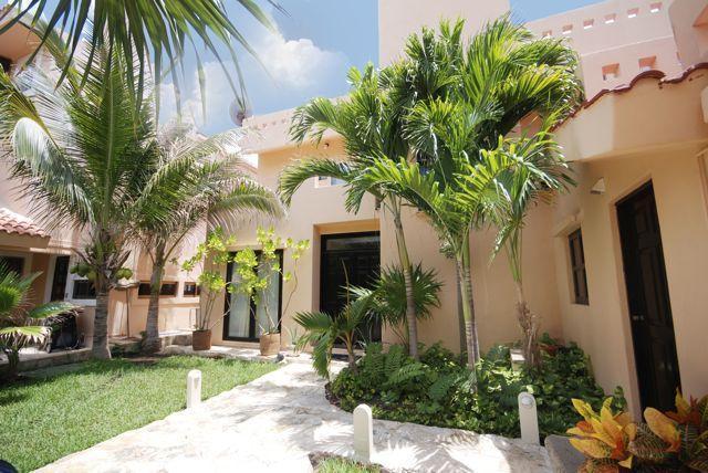 5/5 Casual Oceanfront Villa, Great Rates! - Image 1 - Puerto Aventuras - rentals