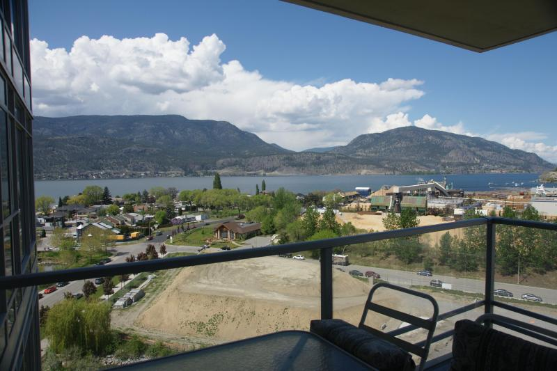 Amazing panoramic views of Lake Okanagan from Deck - Amazing View! 2BR+Den Downtown Condo on 12th Floor - Kelowna - rentals