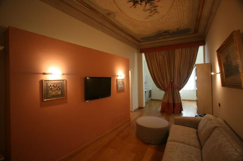 Suite Botticelli - Image 1 - Florence - rentals