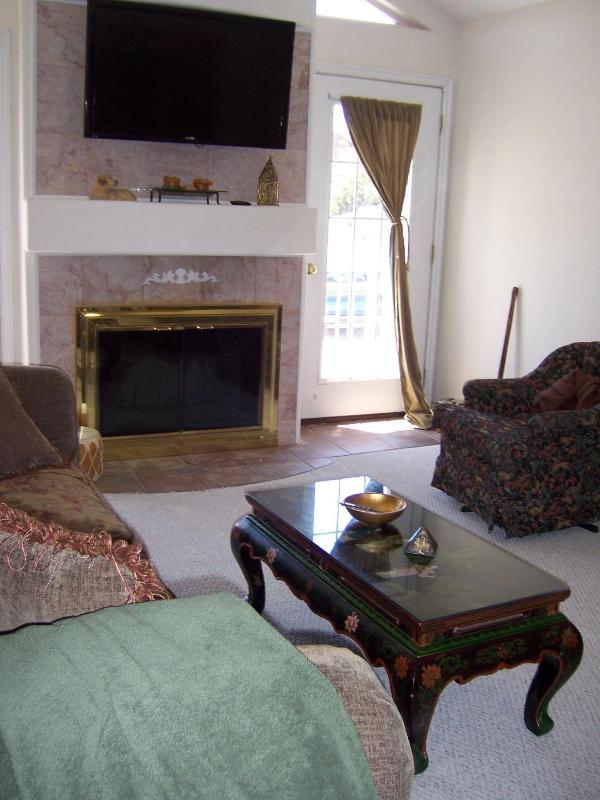 Living Room - 3br - 2 Bath Executive Condo-sleeps 6 - Cedar City - rentals