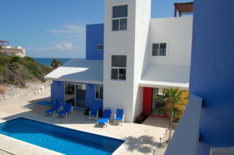 Casa de Colores Facade - CASA DE COLORES-Architecturally Distinguished Casa - Akumal - rentals