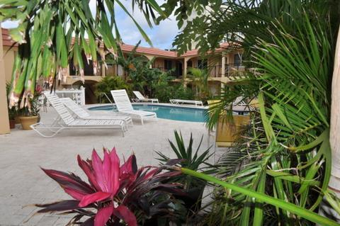 Pool Area - Ocean Spirit Resort Pomapano Beach Vacation Rental - Pompano Beach - rentals