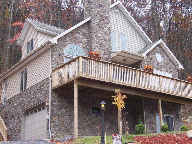 stone chalet - EAGLE ROCK RESORT-STONE CHALET-free ski,golf, tennis - Hazleton - rentals