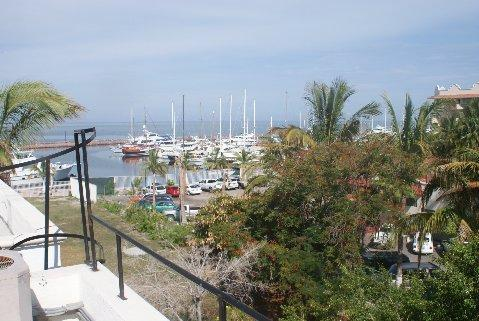 View of Marina Palmira from rooftop with private access - Marina Palmira Condominium - La Paz - rentals