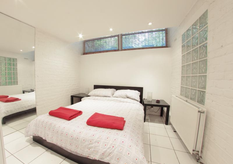 Roomy 1 Bedroom Camden London Apartment - Image 1 - London - rentals