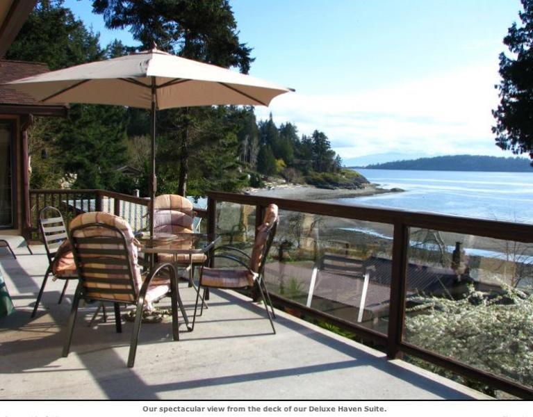 Sundeck off the Suite - Halfmoon Haven Beachfront Retreat & Spa - Cottage - Halfmoon Bay - rentals