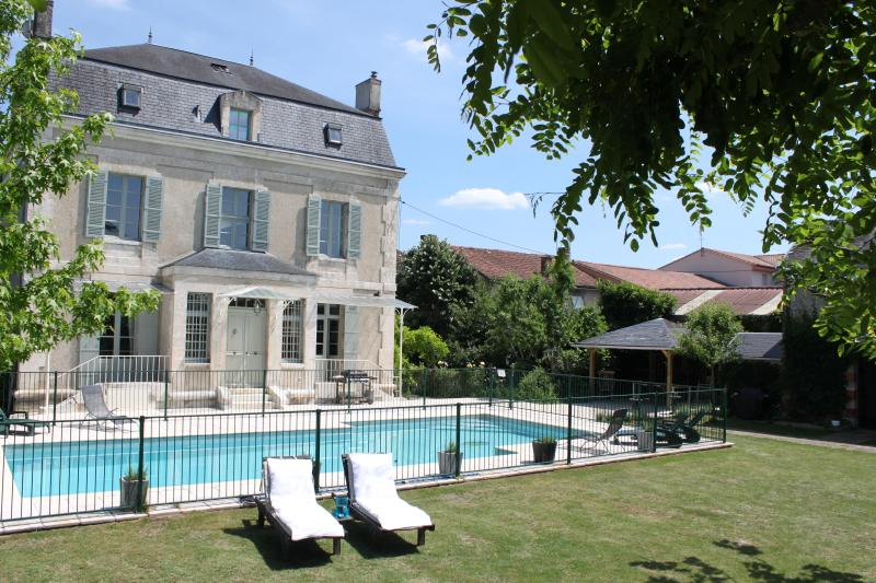 Back of House with Pool and Loungers - Luxury Dordogne Village Home + Pool. Walk to shops - Saint-Astier - rentals