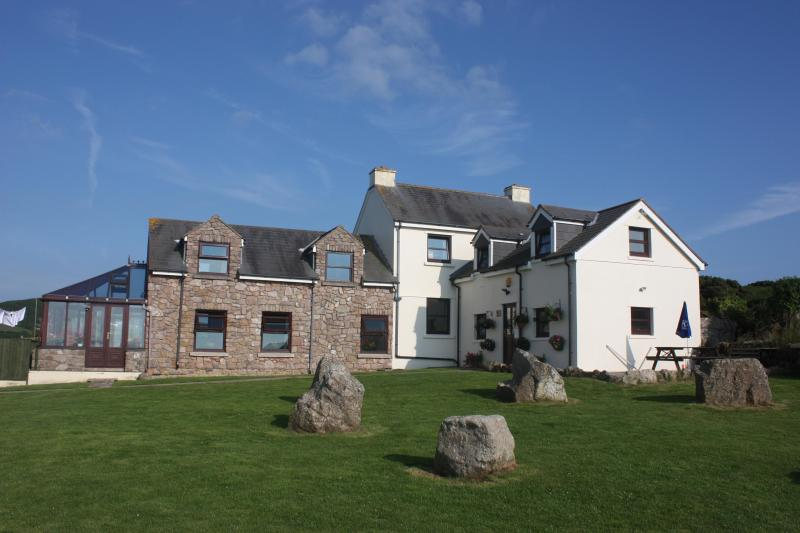 Front view of Stormy Castle - Stormy Castle, Gower, South Wales - Swansea - rentals