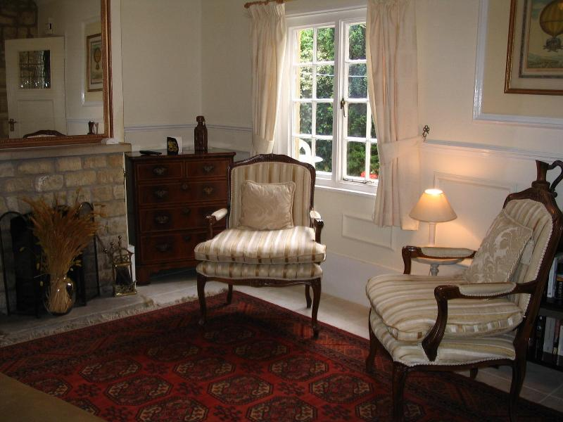 Apartment 1 - lounge - Chapter Cottage - Chipping Campden - rentals