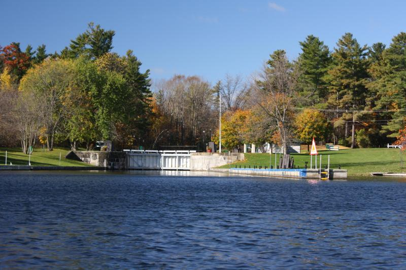 Newboro Lock #36 - Luxe eco waterfront cottages,  UNESCO Rideau Lakes - Newboro - rentals