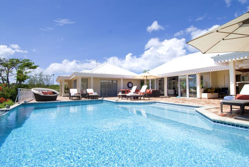 Big Pool with Large Sun Deck - Just 3 minutes walk to the beach! - ST MARTIN  LUXURY 4 BEDROOM VILLA MINUTES TO BEACH - Terres Basses - rentals