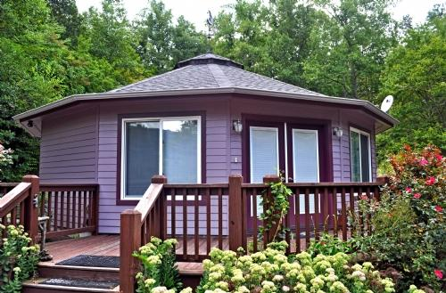 Exterior ~ Amethyst Creek Cottage - Amethyst Creek Cottage-Eco-Friendly Deltec & Writer's Paradise - Gerton - rentals
