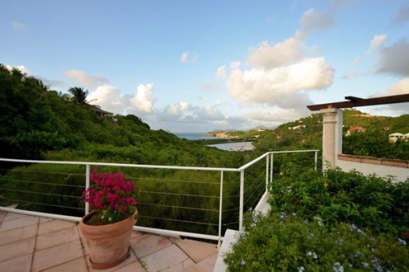 Turquoise....Terres Basses, St. Martin 800 480 8555 - TURQUOISE... lovely, comfortable villa with spectacular views! - Terres Basses - rentals