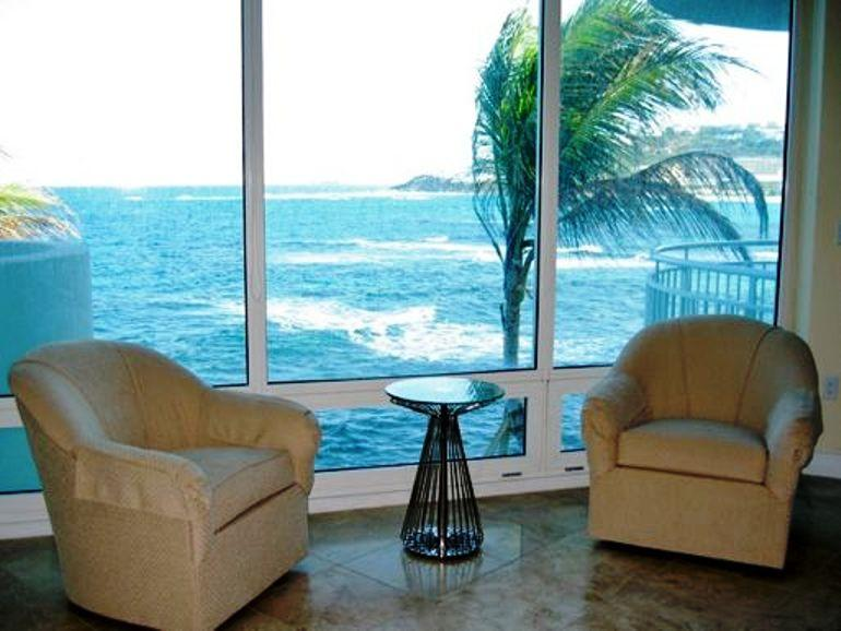 Lighthouse 2C, Oyster Pond, St Maarten 800 480 8555 - LIGHTHOUSE 2C... Stunning views, luxury oceanfront condo, short walk to beautiful beach - Oyster Pond - rentals