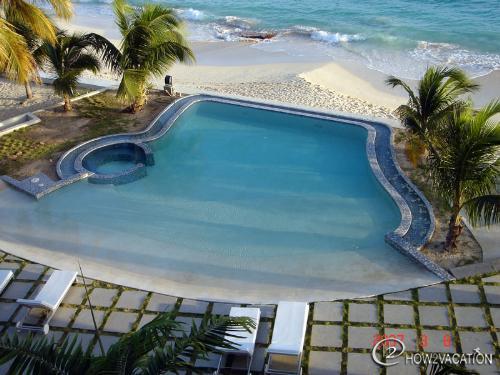 RENDEZVOUS... at Las Arenas, Dutch St. Maarten - RENDEZVOUS... at Las Arenas.., a fabulous 2 BR contemporary condo unit  on  a great beach! - Simpson Bay - rentals