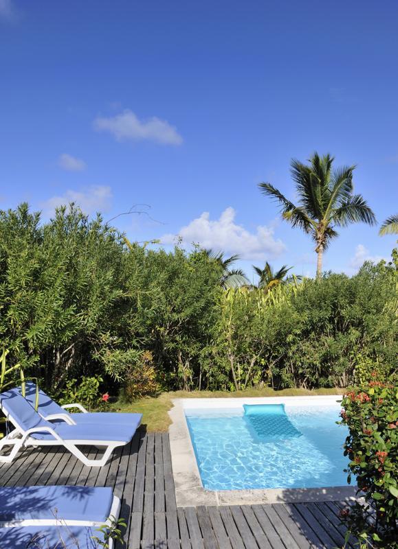 Sunbird...Orient Beach, St. Martin - SUNBIRD...  walk to Orient Beach from this casual villa! - Orient Bay - rentals