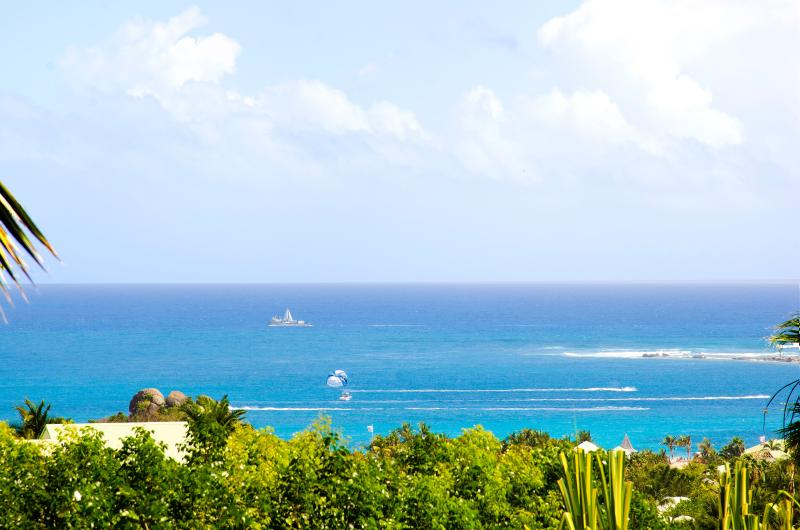Alexambre...Jardin d'Orient overlooking Orient Baie beach, St. Martin - ALEXAMBRE... Lovely affordable Orient Bay villa for family or couples - Orient Bay - rentals