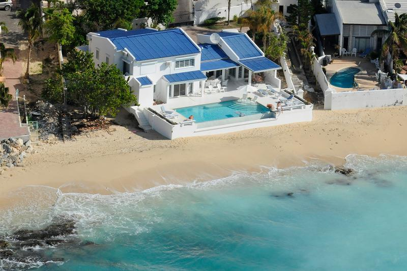 Caribbean Blue...beachfront Pelican Key, Dutch St. Maarten - CARIBBEAN BLUE...beachfront home in Pelican Key - Pelican Key - rentals