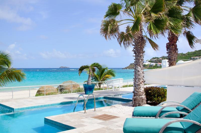 STARFISH... Coral Beach Club, Dawn Beach, St Maarten - STARFISH AT CORAL BEACH CLUB...Wow! talk about beachfront luxury, it's here! - Dawn Beach - rentals