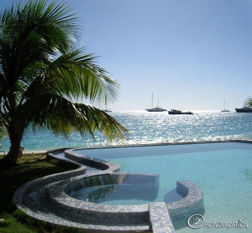 Unforgettable... Simpson Bay, St Maarten 800 480 8555 - UNFORGETTABLE... indeed! Wonderful beachfront contemporary complex on fabulous beach! - Simpson Bay - rentals