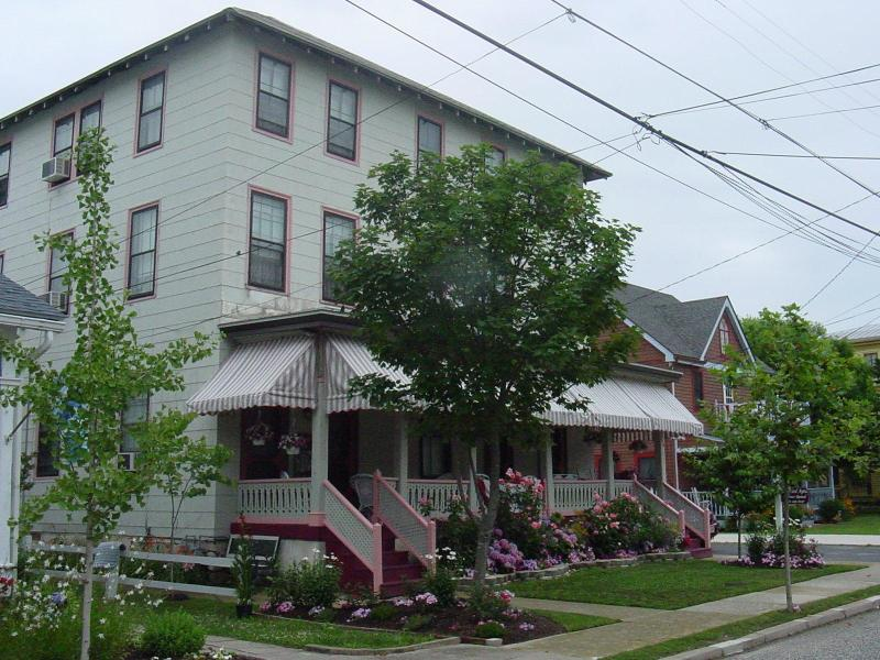 Harvard Apartments, Cape May New Jersey - *SPECIAL* $245 night ** staying now to May 12th - Cape May - rentals