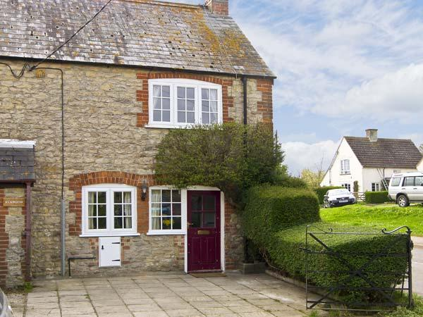 CANDY COTTAGE, pet friendly, country holiday cottage, with open fire in Thornford, Ref 5331 - Image 1 - Sherborne - rentals