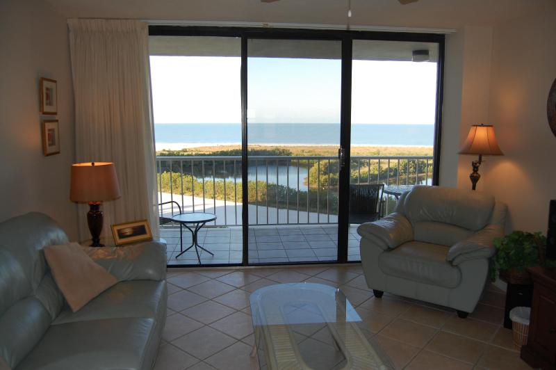 Living room with Gulf of Mexico views - On Beach  $745wk Read dates. Seasonal Rates HIGHER - Marco Island - rentals