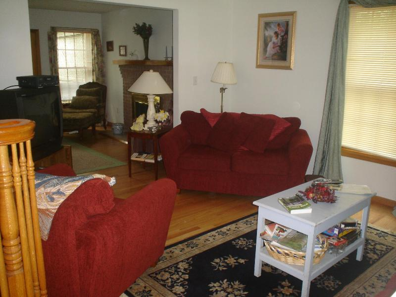 Living Room with 200 cable and Wifi - Private Acre Oasis w/Car Pass to Sandy Hook Beach - Sandy Hook - rentals