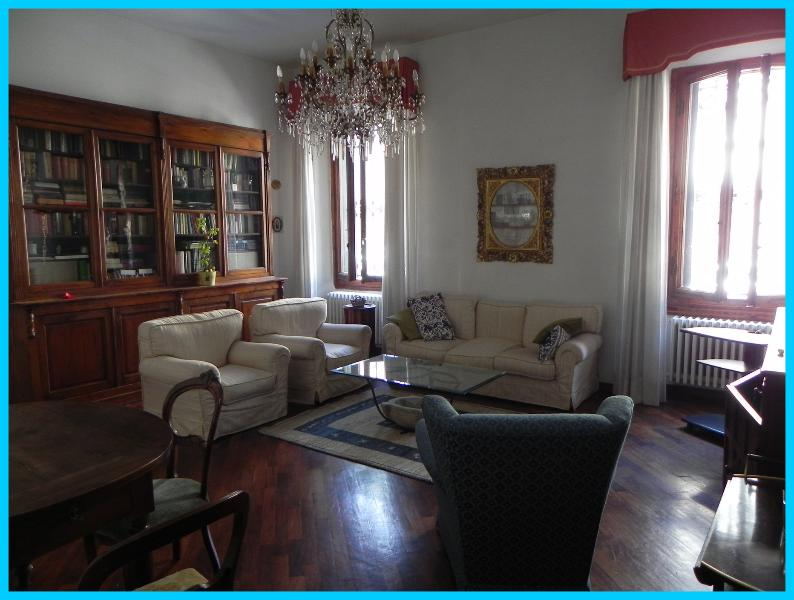 Living Room - Charming Apartment, very close to town centre - Florence - rentals