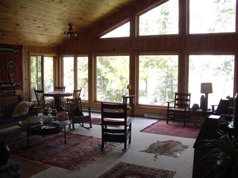 Windows facing the lake - Architect-designed lake home near Grand Rapids, MN - Deer River - rentals