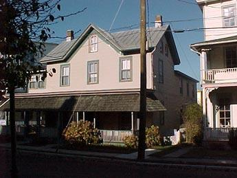 Comfortable 6 Bedroom, 3 Bathroom House in Cape May (5982) - Image 1 - Cape May - rentals