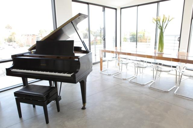 Ideal Beach Loft, 2 blocks from the Ocean! - Image 1 - Los Angeles - rentals