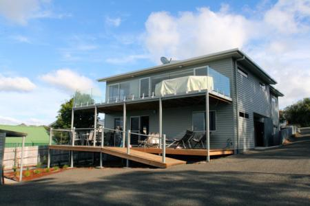 Back View - Self  contained seaside holiday home. Sleeps 8 - Bridport - rentals