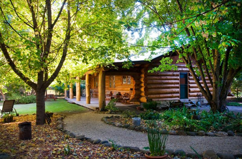 Authentic Log Cabin - Tewksbury Lodge - Authentic Log Cabin - Porepunkah - rentals