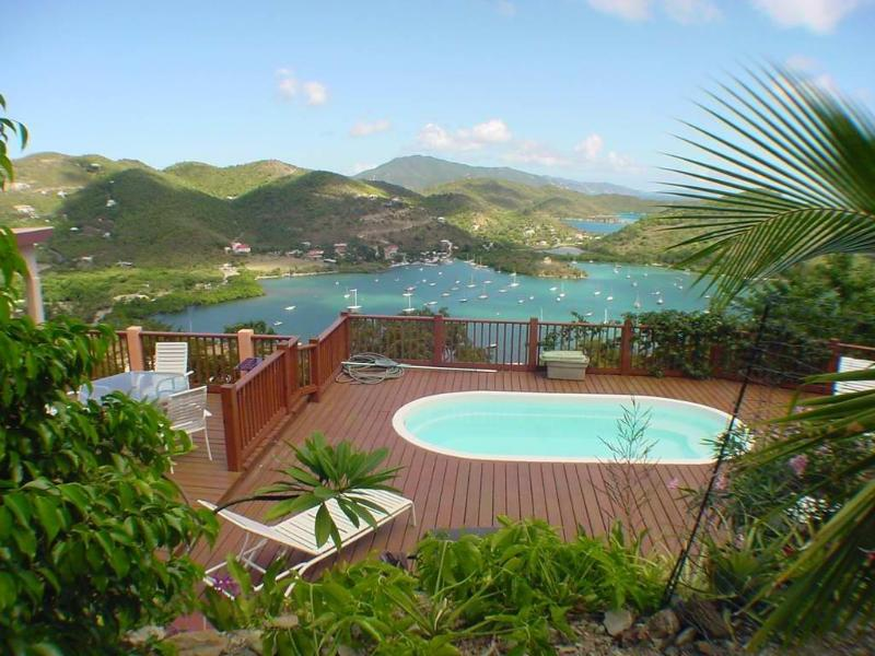 Pool upper deck - Mimosa Villa- 4bd/3bth AC,Pool,Ocean View,Beach,Private,Internet - Coral Bay - rentals