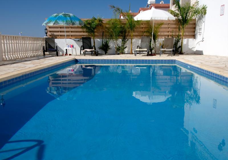 Pool view - Villa has Jacuzzi.Panoramic Views, Free Internet - Paphos - rentals