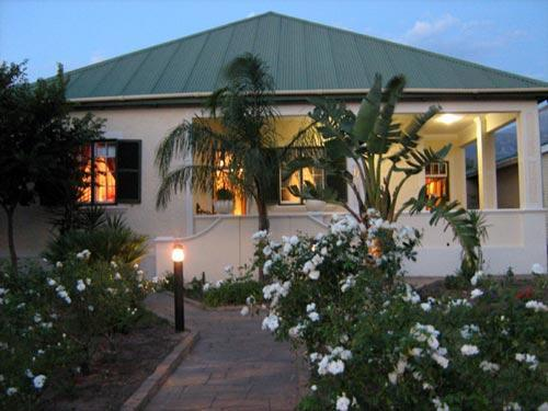 Front of house - Auberge Alouette - Franschhoek - rentals
