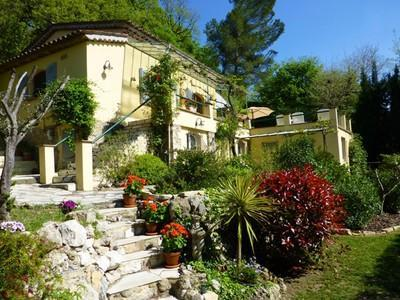 Les Roches Fleuries 3 Bedroom Vacation Rental with a Garden and Balcony - Image 1 - Mougins - rentals
