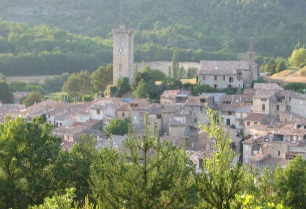 peaceful Provencal village house - Image 1 - Alpes de Haute-Provence - rentals