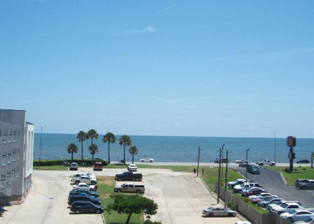 Casa del Vista has a breathtaking view of the Gulf of Mexico. - Image 1 - Galveston - rentals
