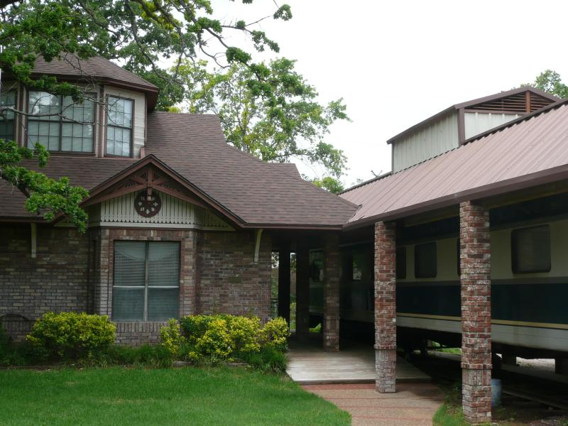 Front view with train car - 2 bedroom Train themed Guesthouse on Lake Texoma - Pottsboro - rentals