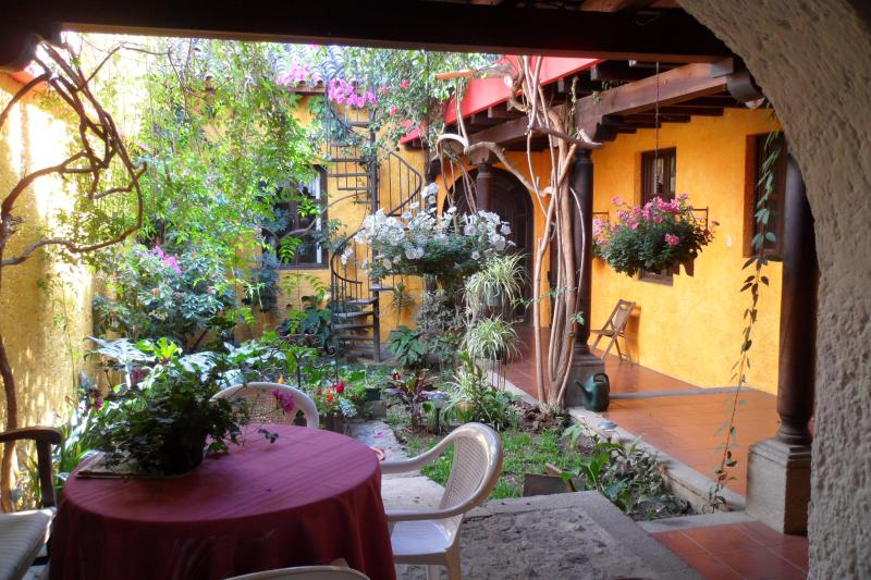 Colonial Style House in heart of Antigua - Image 1 - Antigua Guatemala - rentals