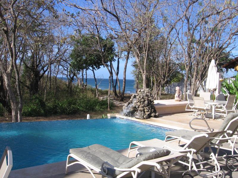 View from Veranda - Villa Alegre Bed and Breakfast On The Beach - Tamarindo - rentals