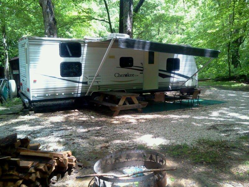 everything you need for camping - Large camper with double slideout, in the woods. - Shoals - rentals