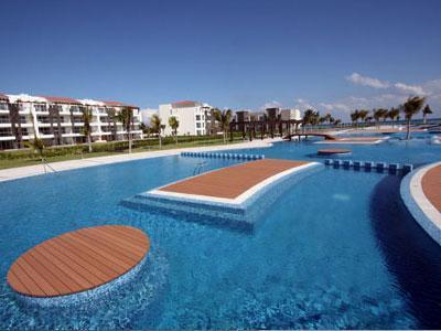 Enjoy the 10,000 sq. foot pool! - Ocean View Golf Course Luxury Condo - Buena Vida - Playa del Carmen - rentals