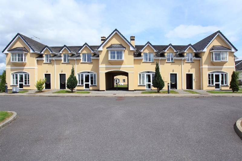 Killarney's Holiday Village - Killarney's Holiday Village 4 Bedroom House - Killarney - rentals
