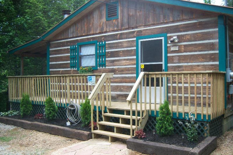 Horns of Plenty - Charming Cabin on 2 Secluded Acres, FP, HT, WIFI - Cosby - rentals
